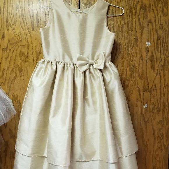 Jayne Copeland Dresses & Skirts - Champagne Junior Bridesmaid dress Girls sz 10